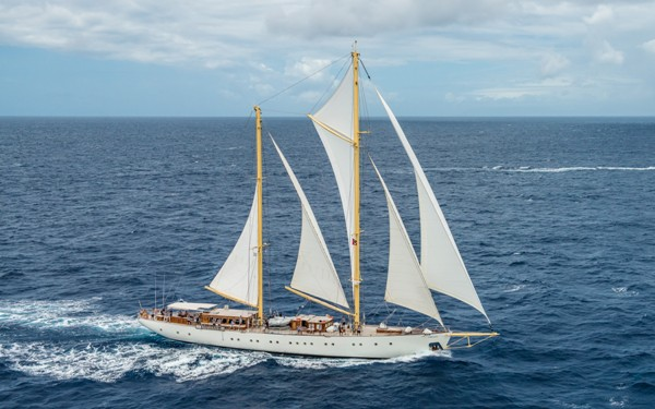 sailing-chartering-kronos-agency